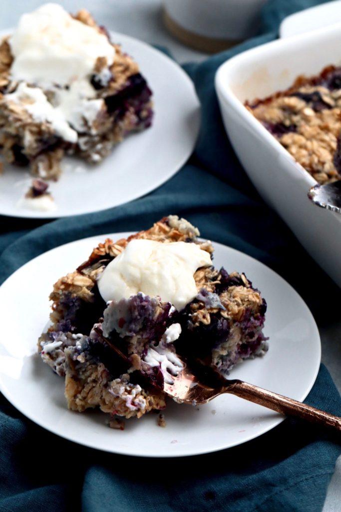 blueberry lemon baked oatmeal // cait's plate