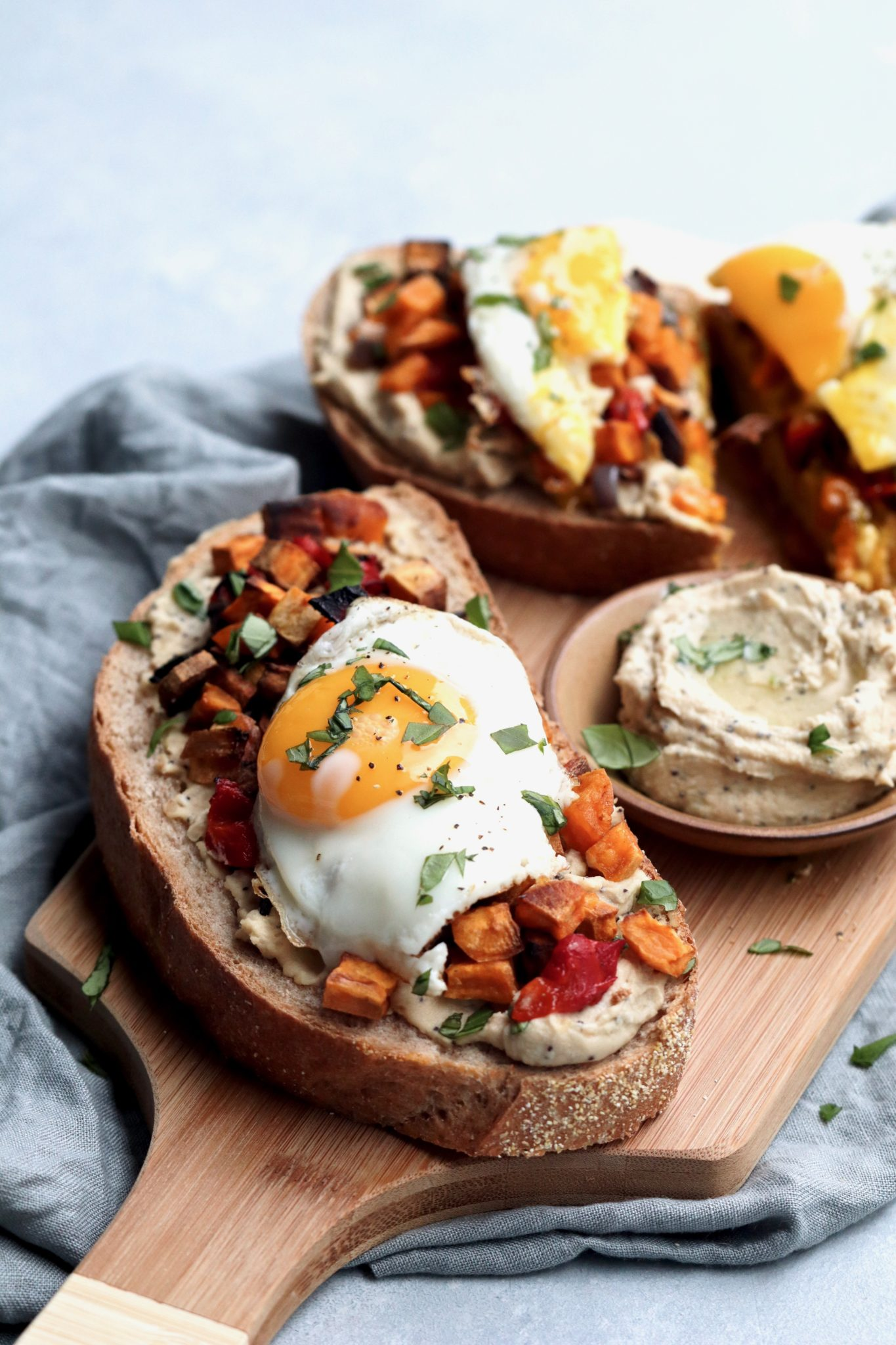 hummus toast with sweet potato hash & sunny side up egg // cait's plate