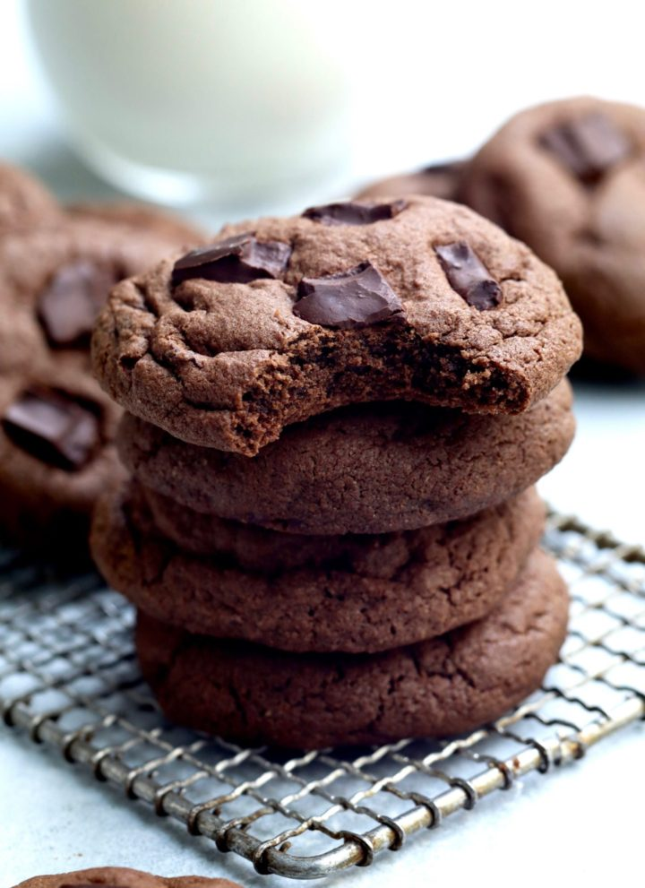 double dark chocolate chunk cookies // cait's plate