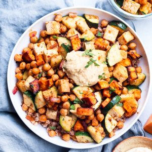 spicy chickpea & tofu veggie farro bowl // cait's plate