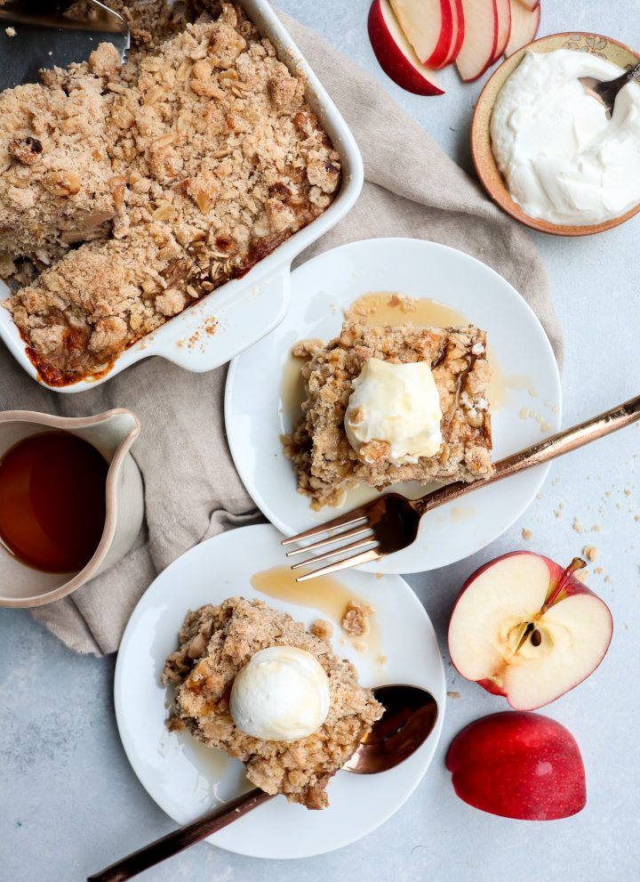 apple crisp baked oatmeal with streusel // cait's plate