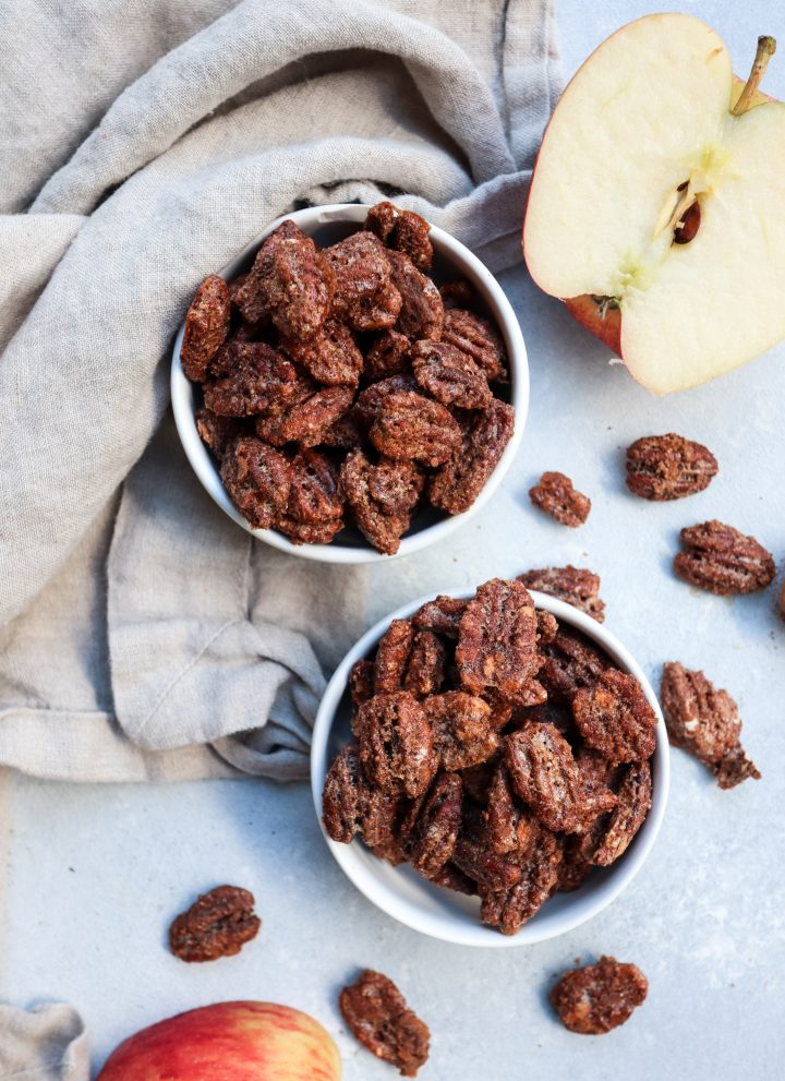 easy apple pie spiced candied pecans // cait's plate