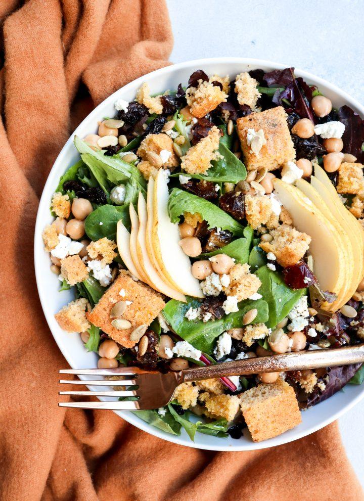 autumn blend salad // cait's plate