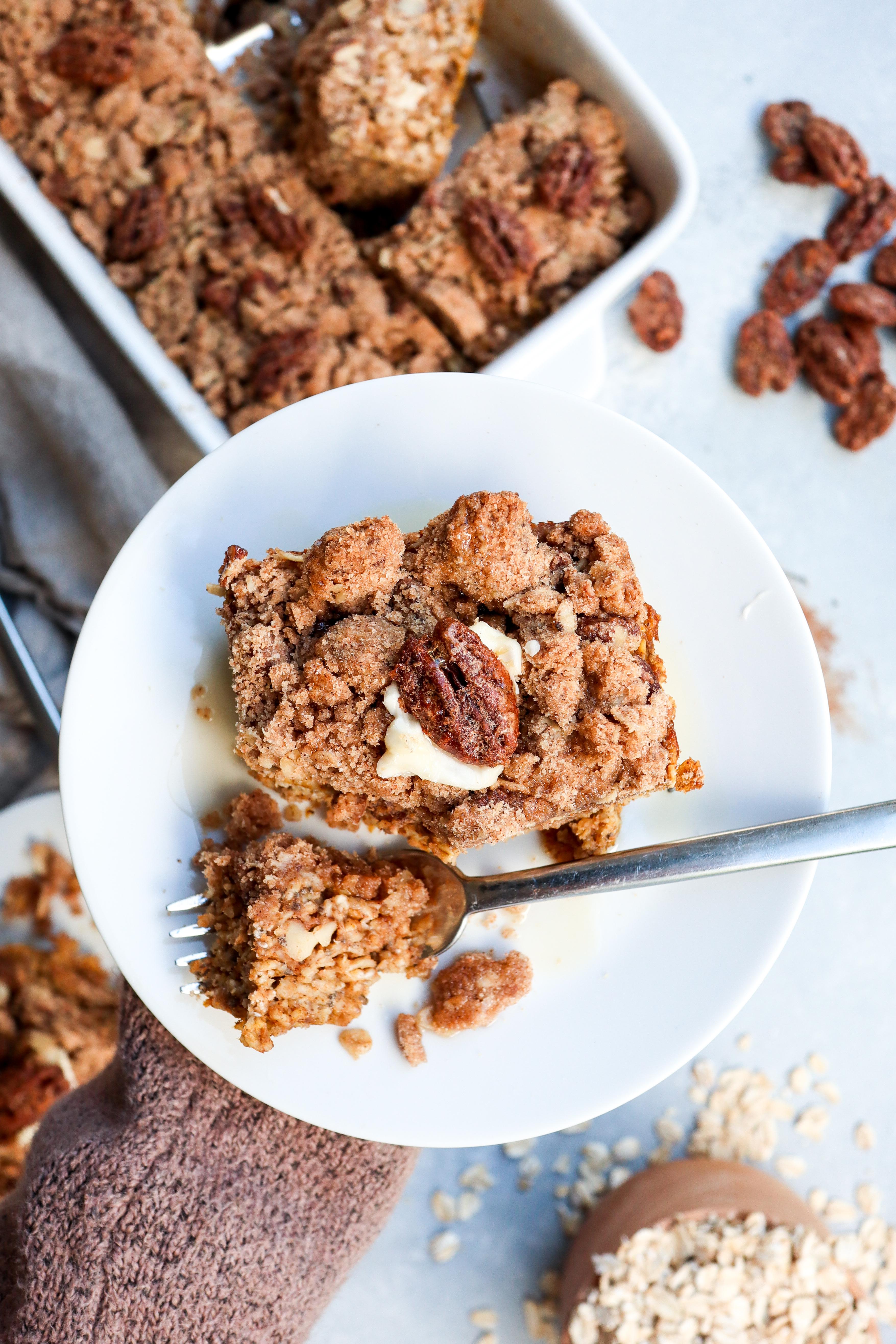 pumpkin pecan pie baked oatmeal // cait's plate