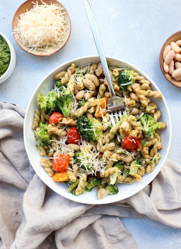 white bean & veggie pesto pasta // cait's plate