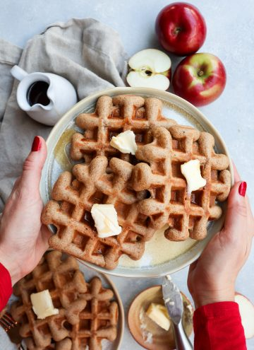 apple cider doughnut waffles // cait's plate