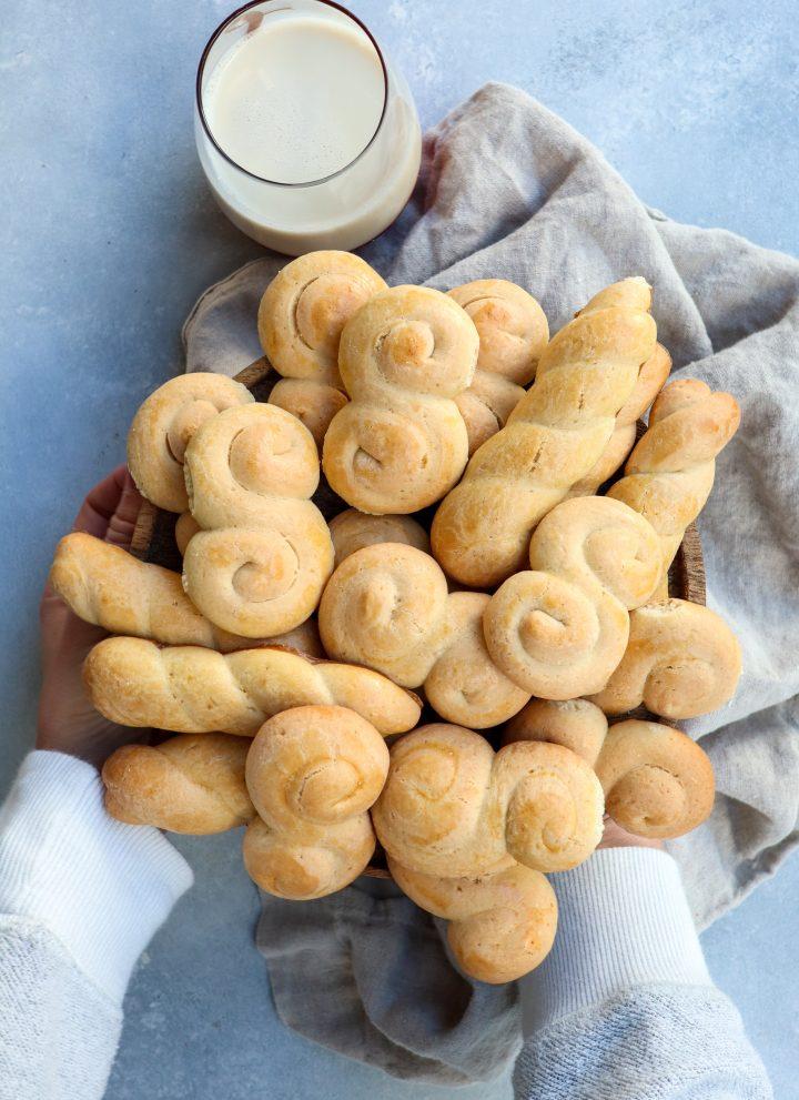 greek koulourakia cookies // cait's plate