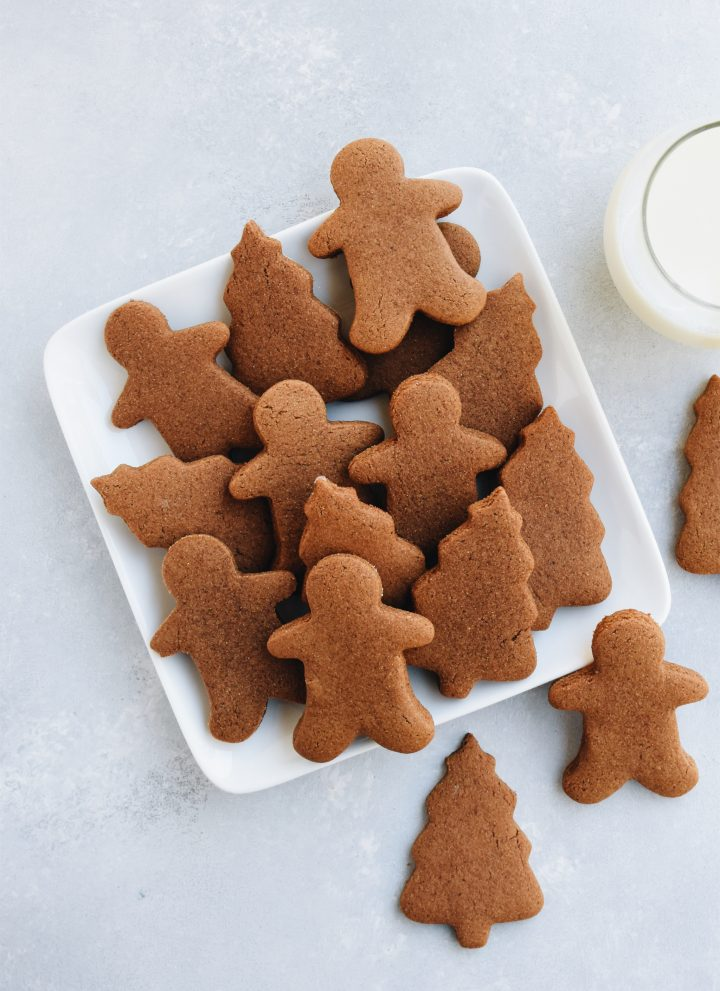 classic gingerbread cookies // cait's plate