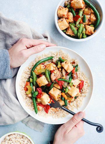 weeknight tofu & veggie stir-fry // cait's plate