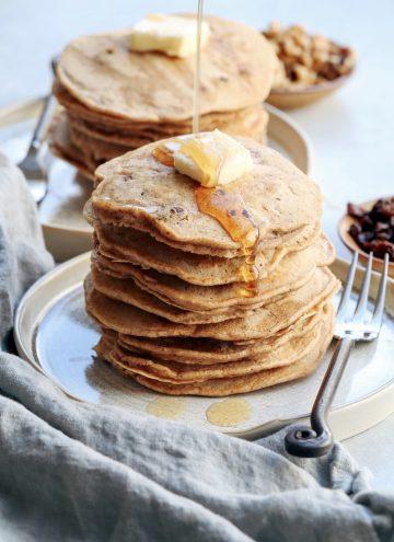 carrot cake pancakes // cait's plate