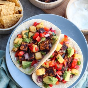 blackened tofu tacos with pineapple salsa // cait's plate