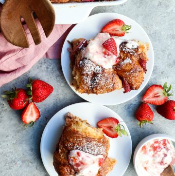 strawberry croissant baked french toast // cait's plate