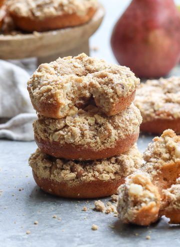baked pear crumb doughnuts // cait's plate