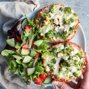 broccoli & feta pizza bagels // cait's plate