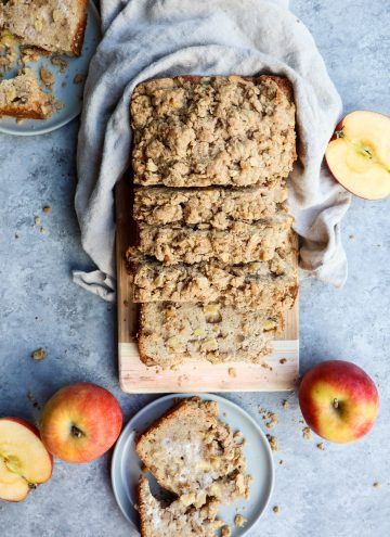apple pie streusel bread // cait's plate