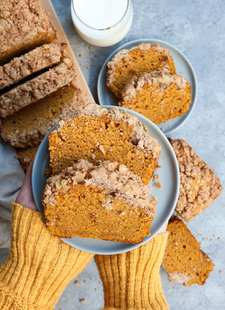 pumpkin streusel bread // cait's plate