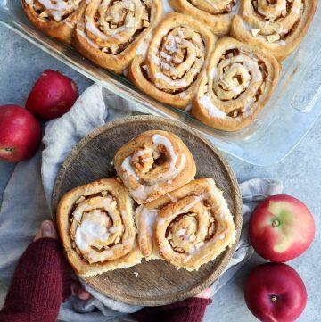 apple cinnamon rolls // cait's plate