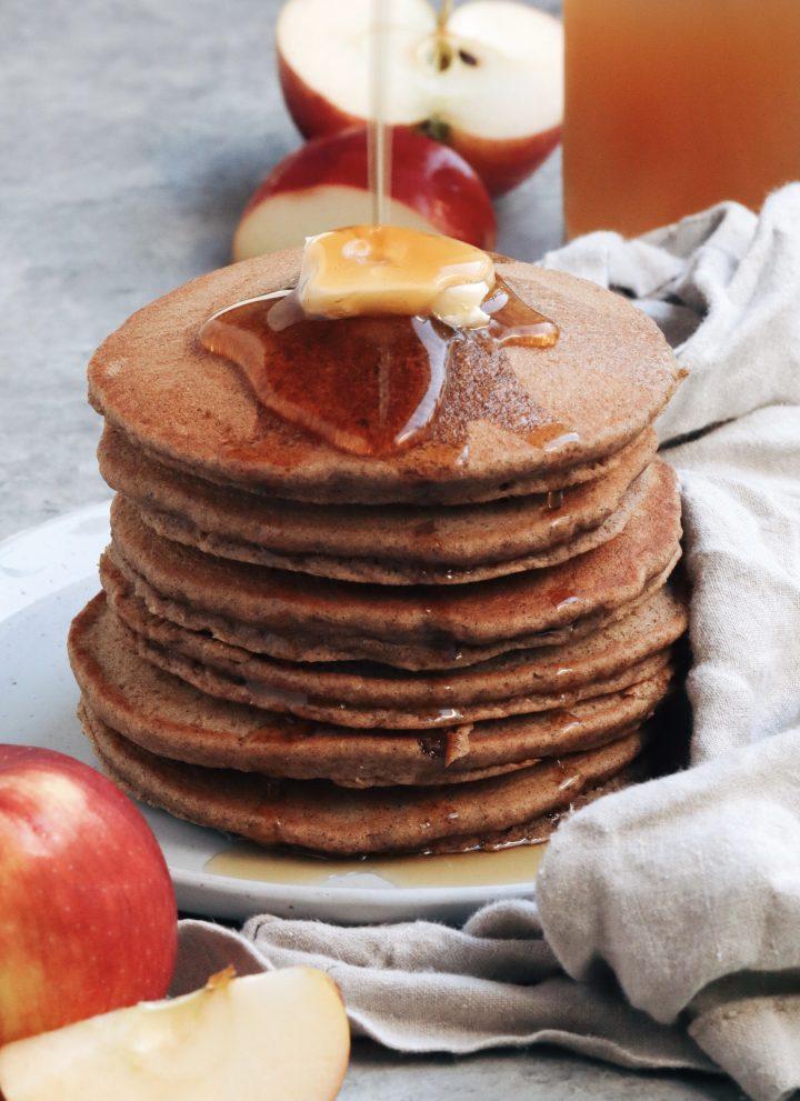 apple cider pancakes // cait's plate